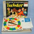 MILTON BRADLEY 4645 TWISTER THE GAME THAT TIES YOU UP IN KNOTS BOX SPINNER MAT